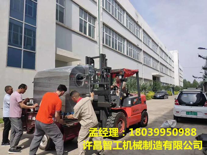 5月22日,河南漯河客戶來廠訂機一台,現場拉走!