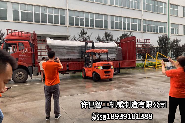 海南客戶訂購的六米炒瓜子生產線檢測完畢,專車發貨
